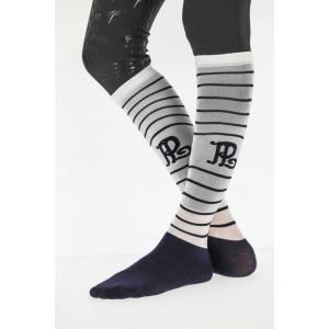 Pénélope Showing Socks